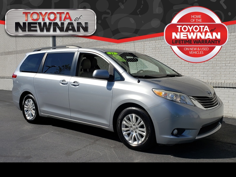 Pre-Owned 2011 TOYOTA SIENNA 5DR 8-PASS VAN V6 XLE FWD