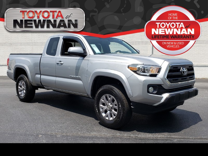 Pre-Owned 2017 TOYOTA TACOMA SR5 ACCESS CAB 6' BED V6 4X2 AT