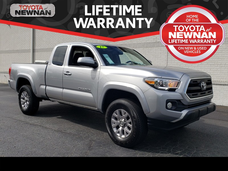 Pre-Owned 2017 TOYOTA TACOMA SR5 ACCESS CAB 6' BED V6 4X4 AT