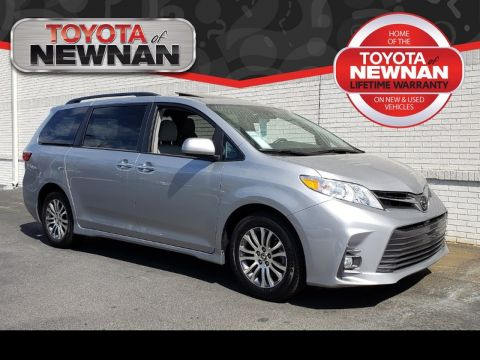 Pre-Owned 2018 TOYOTA SIENNA XLE PREMIUM FWD 8-PASSENGER