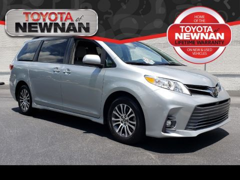 Pre-Owned 2019 TOYOTA SIENNA XLE FWD 7-PASSENGER